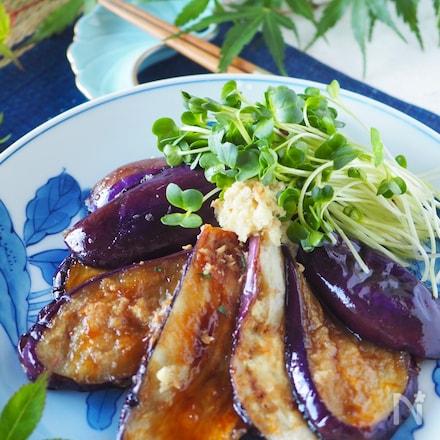 【ご飯がススム】焼くだけ簡単*とろとろ茄子のしょうが焼き