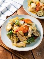 フライパンでまとめて炒める『鶏むねと野菜のごった炒め』
