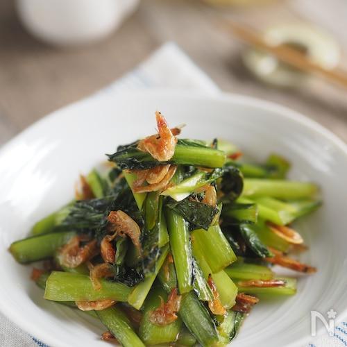 【5分でおつまみ】桜海老と小松菜のバターしょうゆ炒め