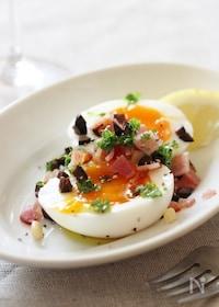 『半熟卵とパセリとベーコンの簡単おつまみ』