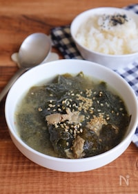 『韓ドラ好きに♪白だしで韓国風わかめスープ』