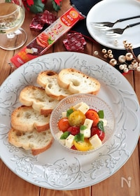 『ベビーチーズとトマトのハニーマリネ』