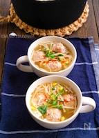 鶏団子と豆もやしとえのきの具沢山スープ