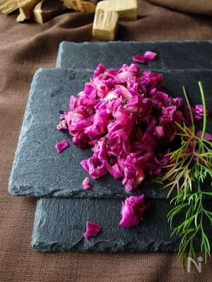 紫のサルサソース