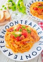 1口食べたら止まらない!Wトマトとモッツァレラのアマトリチャ