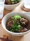 牛すじとコンニャクの味噌煮込み