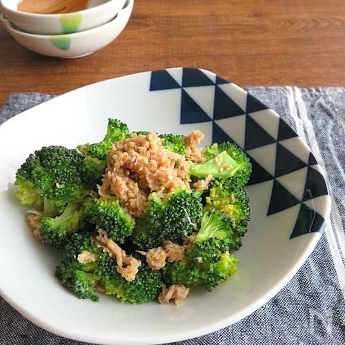 レンジで簡単和総菜☆ブロッコリーとツナのごま和え