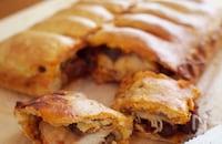 サバとトマトソースのエンパナーダ(パイ包み焼き)
