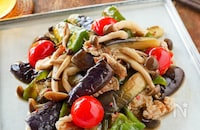 簡単!食欲そそるガーリックの香り【豚肉と野菜の焼き浸し】