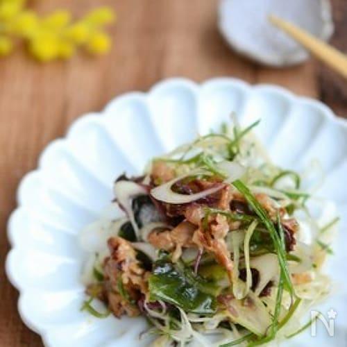 豚肉と白ネギの海藻サラダ