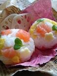 ひな祭りにも〜サーモンと白菜のオイルおにぎりのお弁当〜