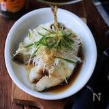 白身魚の香味蒸し。熱々ごま油かけ。