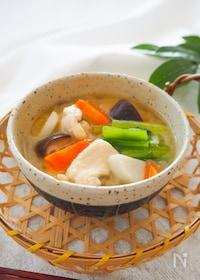『つるんとやわらか♪鶏胸肉と野菜の治部煮風味噌汁』