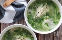 ヘルシーで大満足なスープ♡豆苗と包まないワンタンのスープ