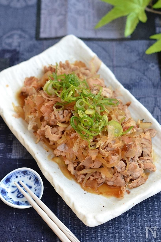 豚こま切れ肉と玉ねぎの甘辛炒め