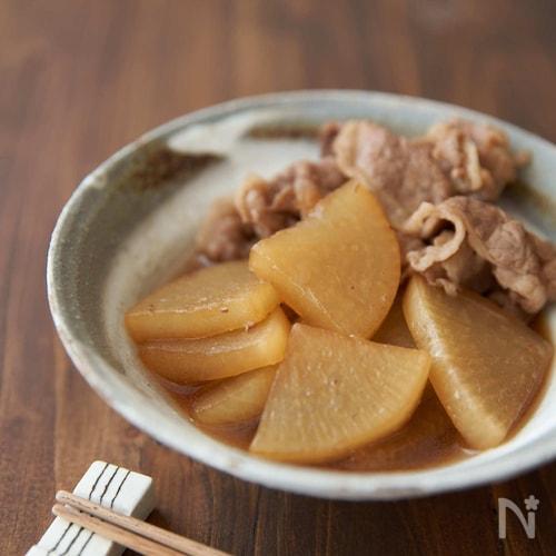フライパンで手軽に煮込む、牛肉と大根の煮物