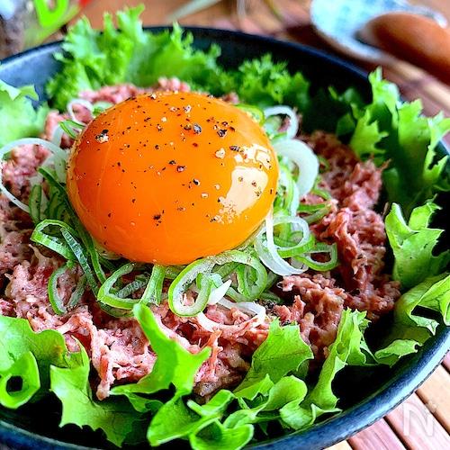 絶品おつまみ☆旨みとコクにやみつき♡【コンビーフユッケ】