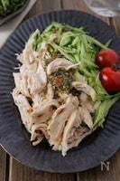【さっぱり旨い】蒸し鶏とキュウリの梅しそソースがけ #レンジ