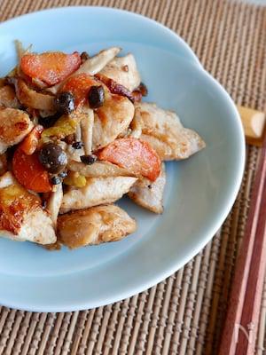 【下味冷凍】鶏むね肉と野菜の塩麹焼き