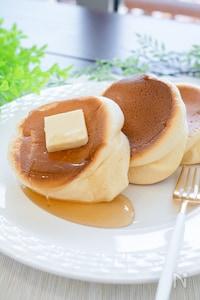 型不要なのにふわふわ!ホットケーキミックスでスフレパンケーキ