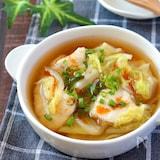 体ぽかぽか♡鶏むね肉の白菜ピリ辛とろみジンジャースープ