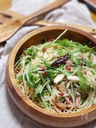 ベーコンきのことたっぷり水菜のペペロンチーノ