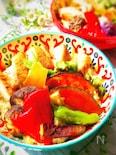 和洋折衷♪焼き夏野菜たっぷりのフュージョン親子丼