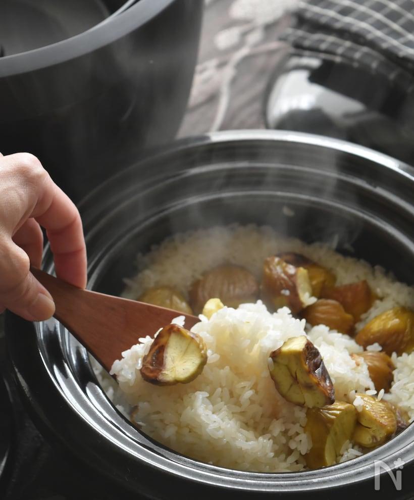 土鍋で炊いた栗おこわとしゃもじ