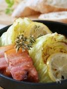春キャベツとベーコンの、レモンハーブ蒸し