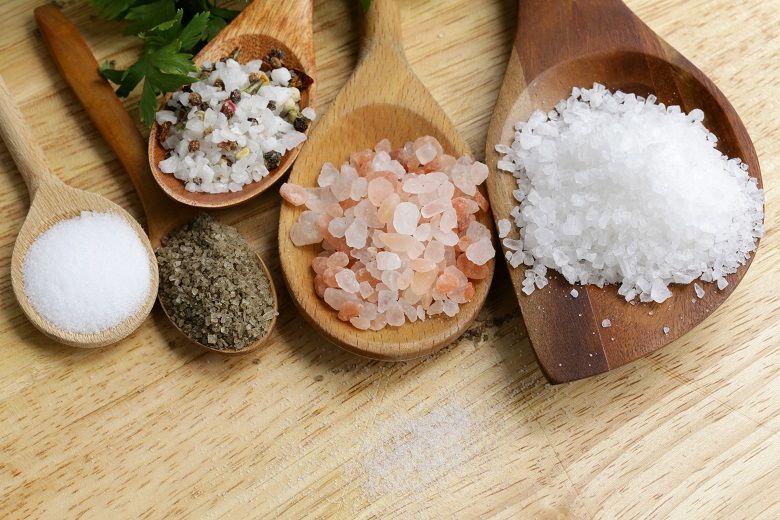 塩の種類と特徴|精製塩・天然塩、海水塩・岩塩・湖塩、藻塩・ハーブソルト