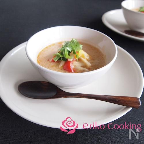 お鍋にも!!エスニックココナッツスープ