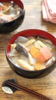鮭の粕汁〜出汁いらずで簡単!しみじみ美味しい!
