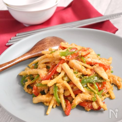 鶏ササミ肉でヘルシー青椒肉絲