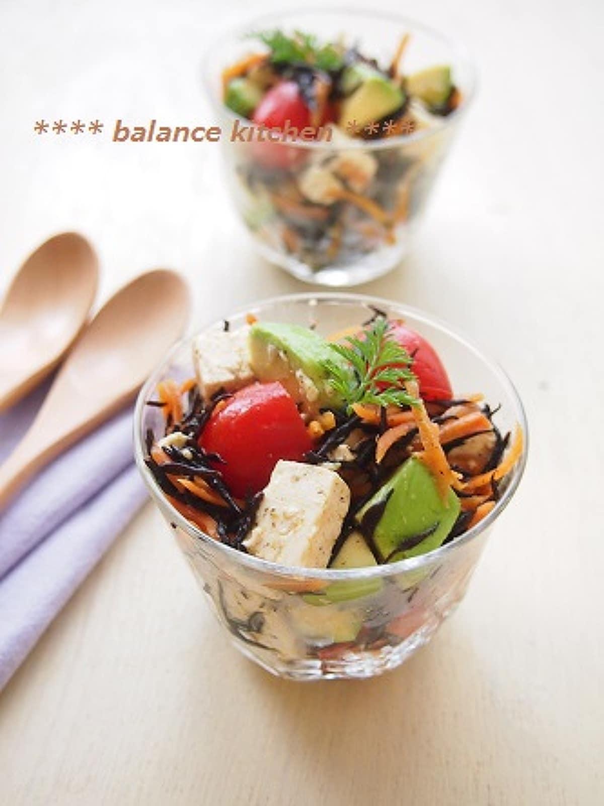 ひじきとアボカドのお豆腐サラダ