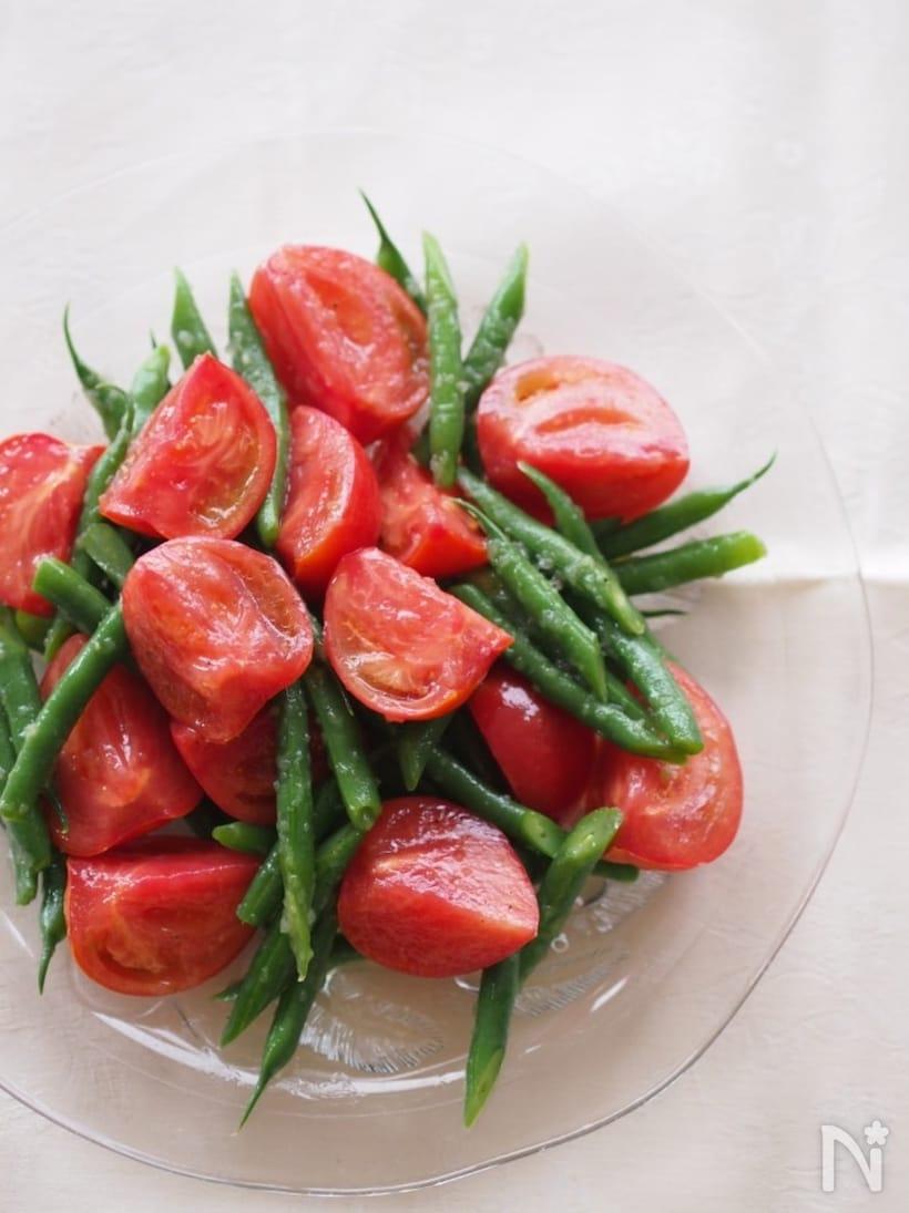 2. トマトといんげんのサラダ