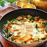 チーズ絹揚げ豚ニラキムチ【フライパンごと食卓に!】