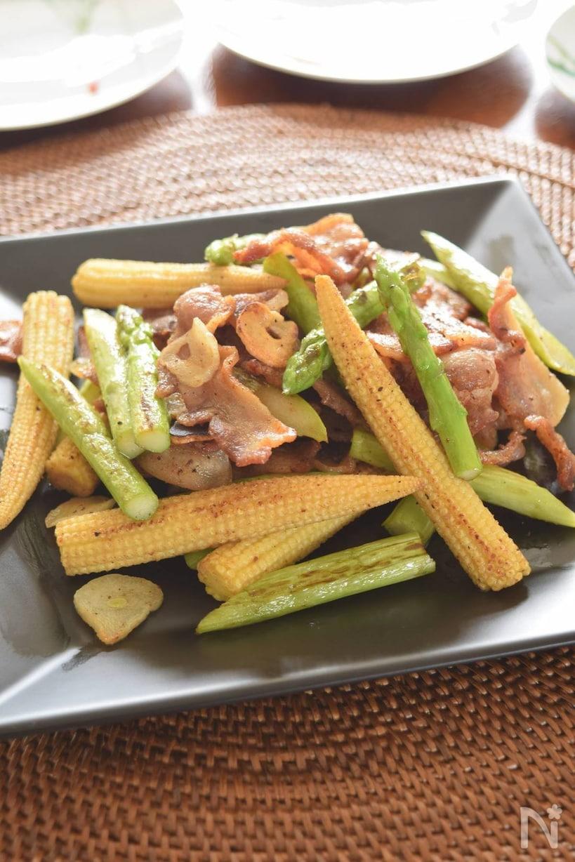 豚バラ肉とヤングコーン、アスパラガス炒め