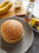 【小麦粉、バター、砂糖なし】オートミールとバナナのパンケーキ