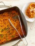 熱々ベーコンとトマトのワンポット煮込みスパゲッティー