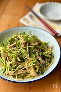簡単美味しい!鶏むね肉と豆苗きゅうりの棒棒鶏サラダ