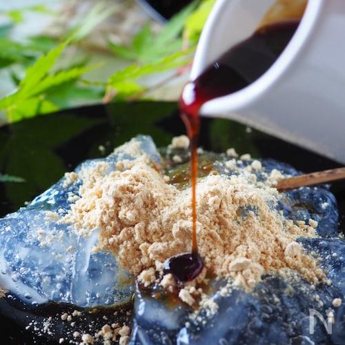 【材料2つ片栗粉と砂糖】フライパンで作れるぷるるんわらび餅