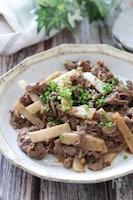 ご飯にめっちゃ合う!食感最高♡牛肉と長芋の和風おかか醤油炒め