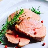 しっとりピンク色に仕上げる塩麹豚の低温ロースト
