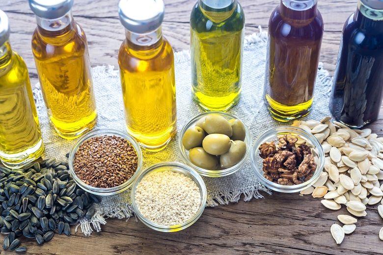 油脂・オイルの種類と特徴|サラダ油・ごま油・オリーブオイル・バター・マーガリン・亜麻仁油
