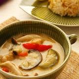 タイ料理の定番!グリーンカレーをお手軽に♪