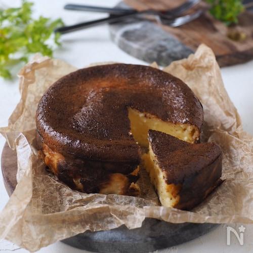 3種チーズのバスクチーズケーキ【ワンボウ混ぜるだけ・簡単】