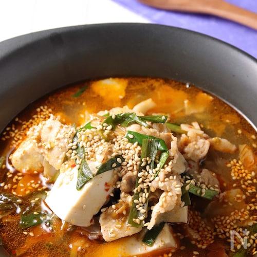 旨みたっぷりで食べやすい♪豆腐のキムチチゲ風煮