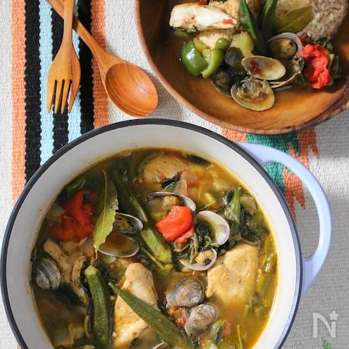 チキンとアサリのガンボスープ