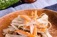 シャキッと美味しい♡レンジで簡単!『ごぼうと人参のサラダ』
