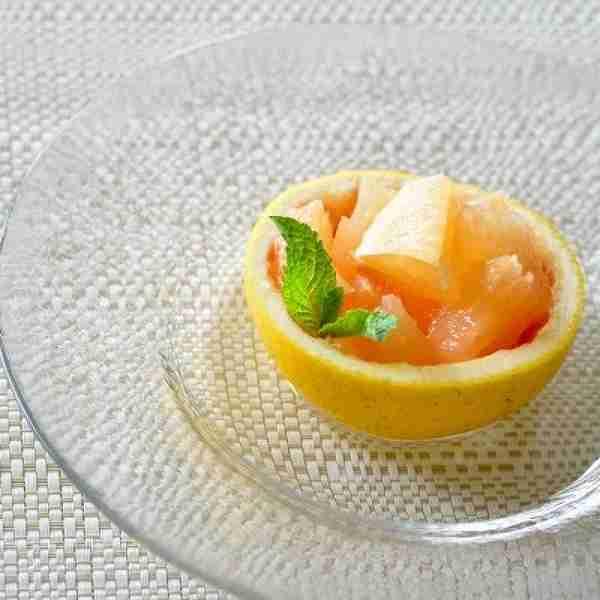 フルーツカッティングの技を磨けば、自宅で豪華なデザートの完成!!